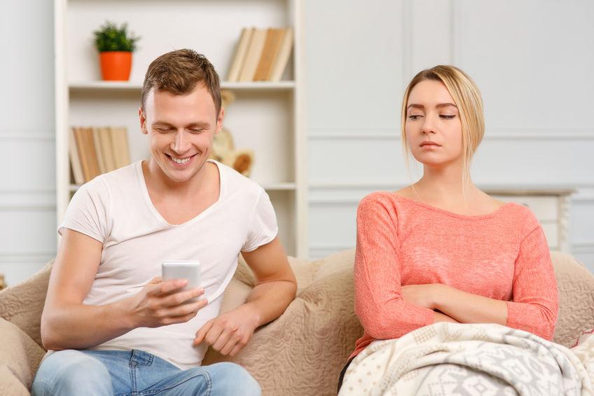 Rozmowa z trudnymi emocjami: zazdrość o partnera