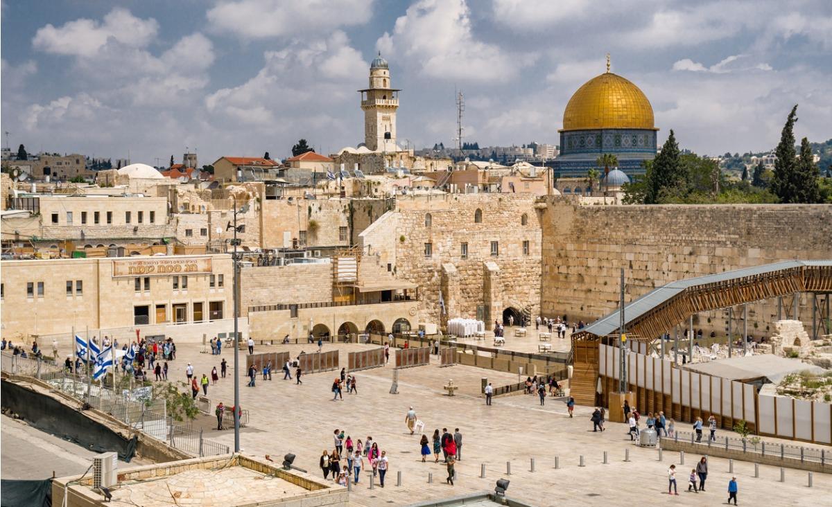 Skrzyżowanie światów. Fascynujący Izrael oczami dziennikarza Marcina Gutowskiego