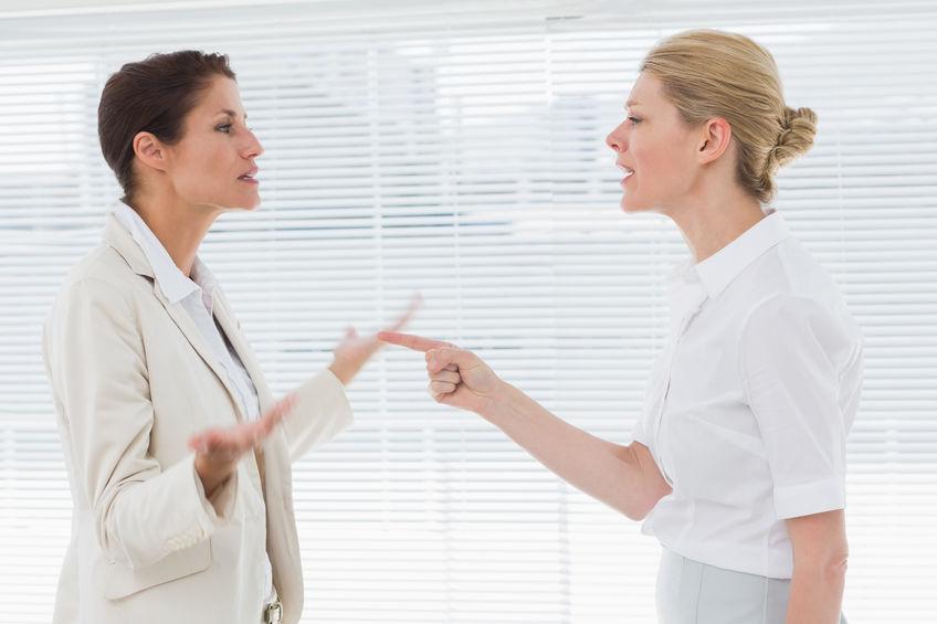 Wróg w pracy: jak uniknąć wrogiego nastawienia?
