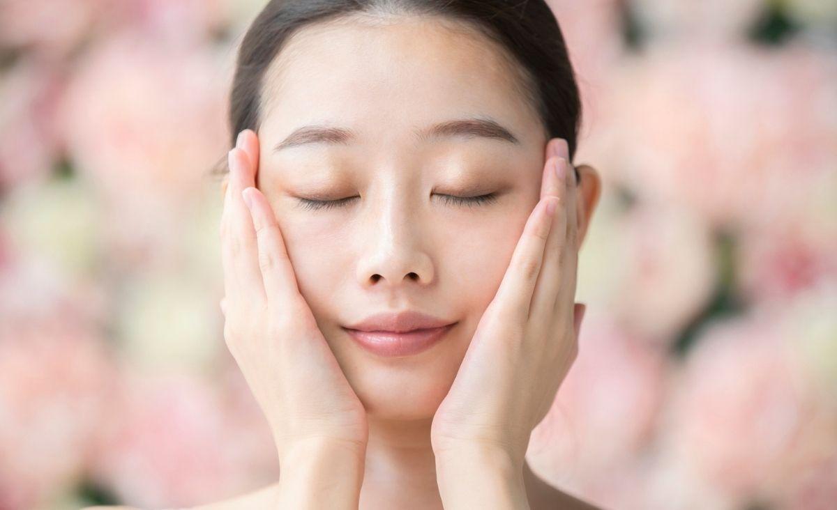 Pielęgnacja cery dojrzałej inspirowana koreańskim rytuałem piękna. Czy to działa?