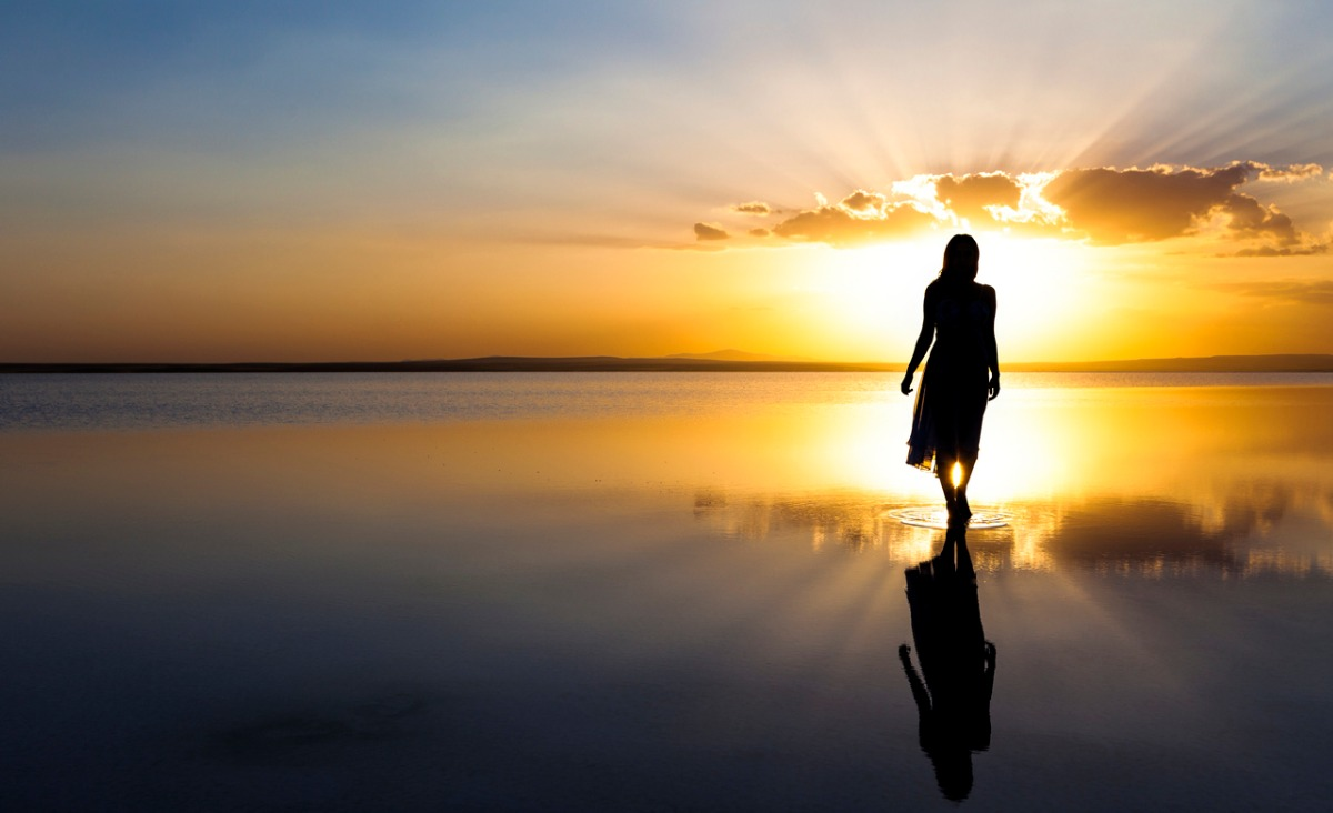 Kobiece i męskie postacie w naszych snach – co mogą symbolizować?