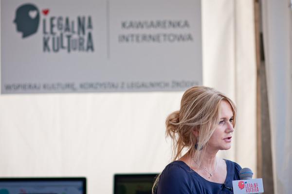 Pomiędzy Dwoma Brzegami a OFF Festivalem