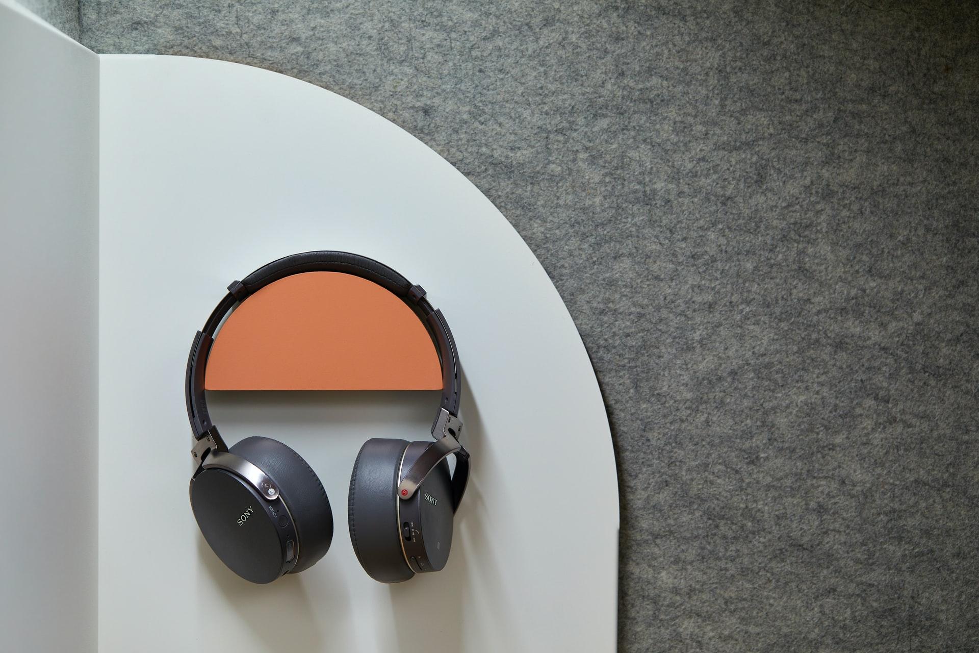 Testy i ocena serwisu z audiobookami Storytel