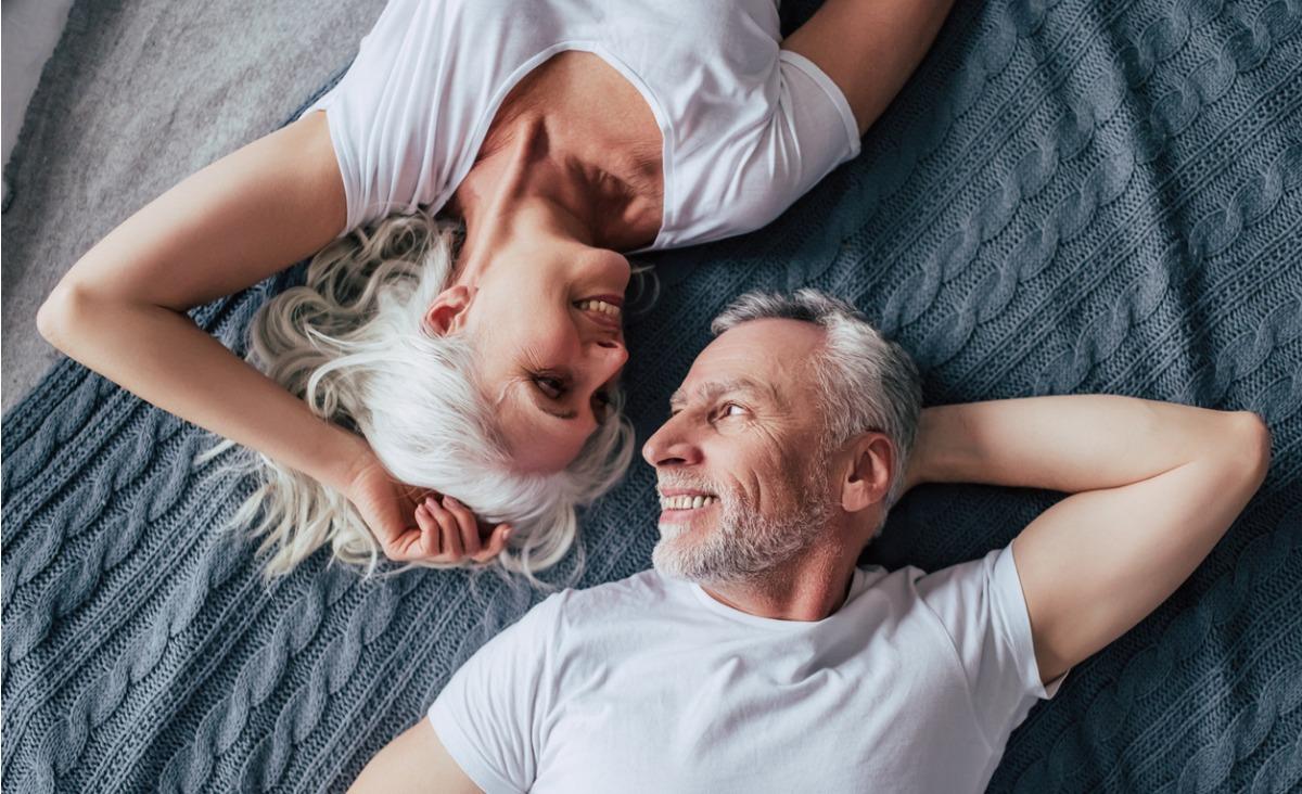 Dlaczego powinniśmy docenić dojrzały seks?