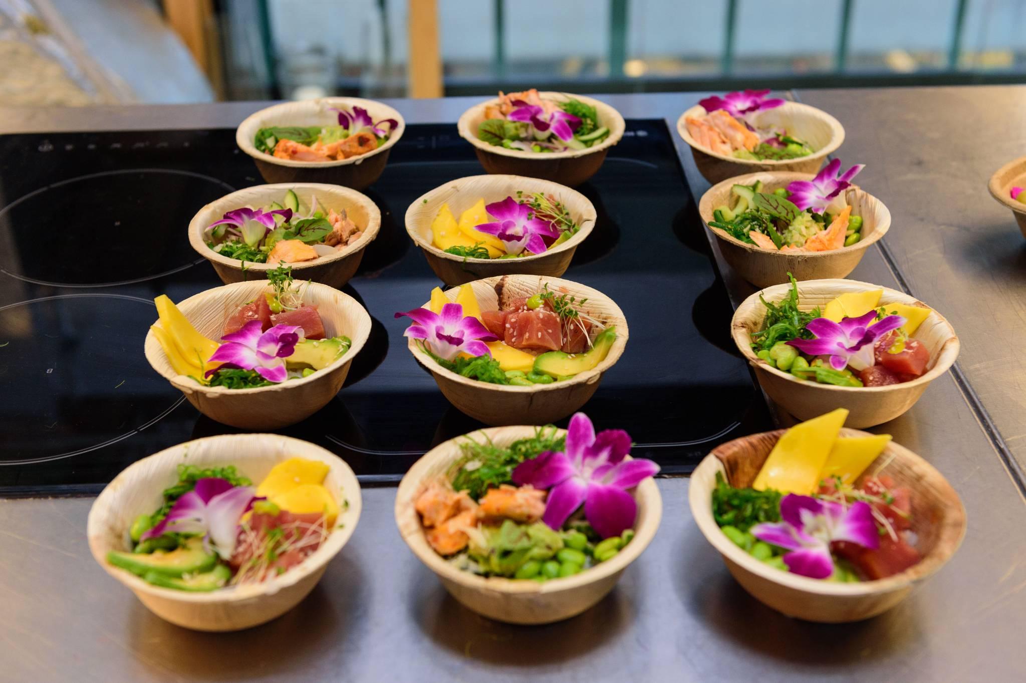 Kulinarne podróże dookoła świata w popularnych warszawskich Koszykach