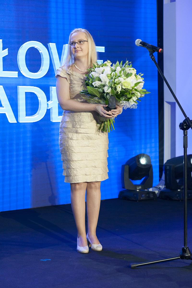 dr-Anna-Czarnecka-Laureatka-Kryształków-Zwierciadła-2015