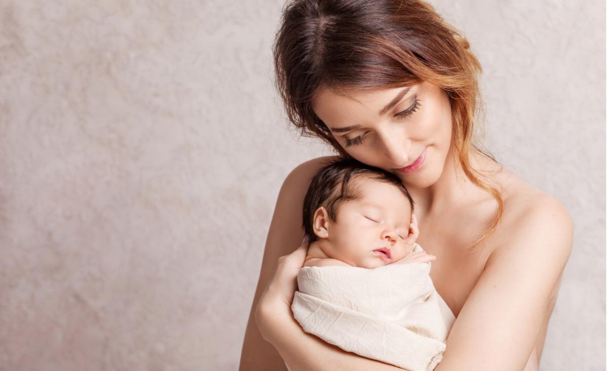 Frustracje współczesnych matek: dlaczego strach być matką?