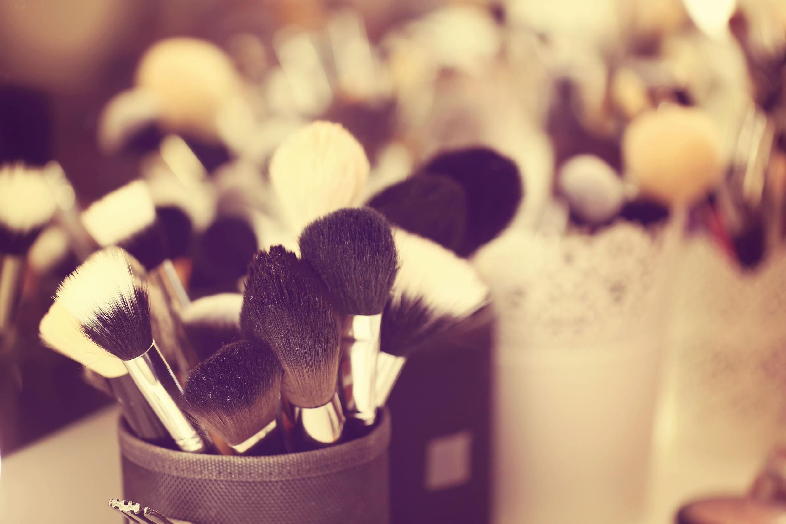 43332764 - brusher for make up