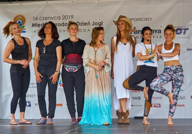 Na zdjęciu: Aneta Awtoniuk, Małgorzata Pieczyńska, Paulina Holtz, Edyta Herbuś, Dominika Łakomska, Kirti Gahlawat, Ewa Szabatin. (Fot. Materiały prasowe)