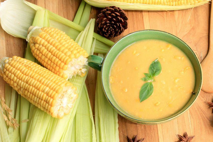 Krem z kukurydzy z mlekiem kokosowym i imbirem