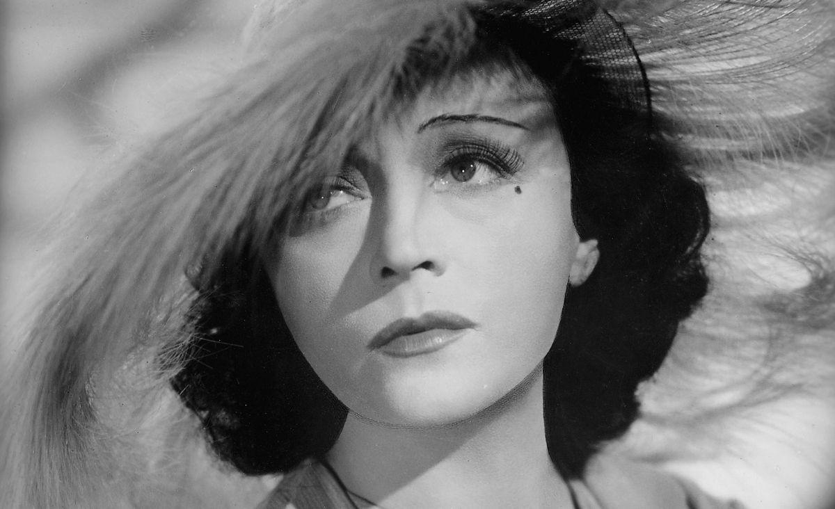 Pola Negri - dystyngowana, tajemnicza, szokująca