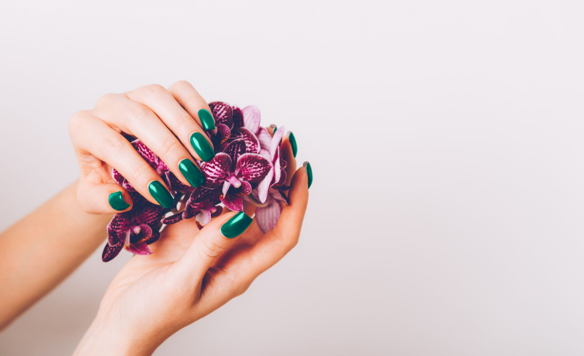 Jak zrobić manicure krok po kroku?