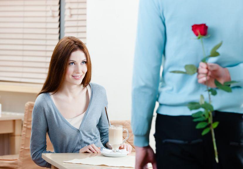 jak napisać wprowadzający e-mail randkowy online