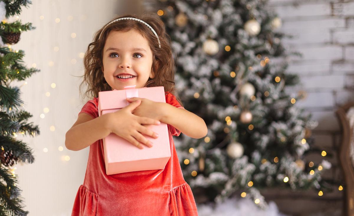 Prezenty pod choinkę dla dziecka - co powinniśmy kupić i w jakiej ilości?