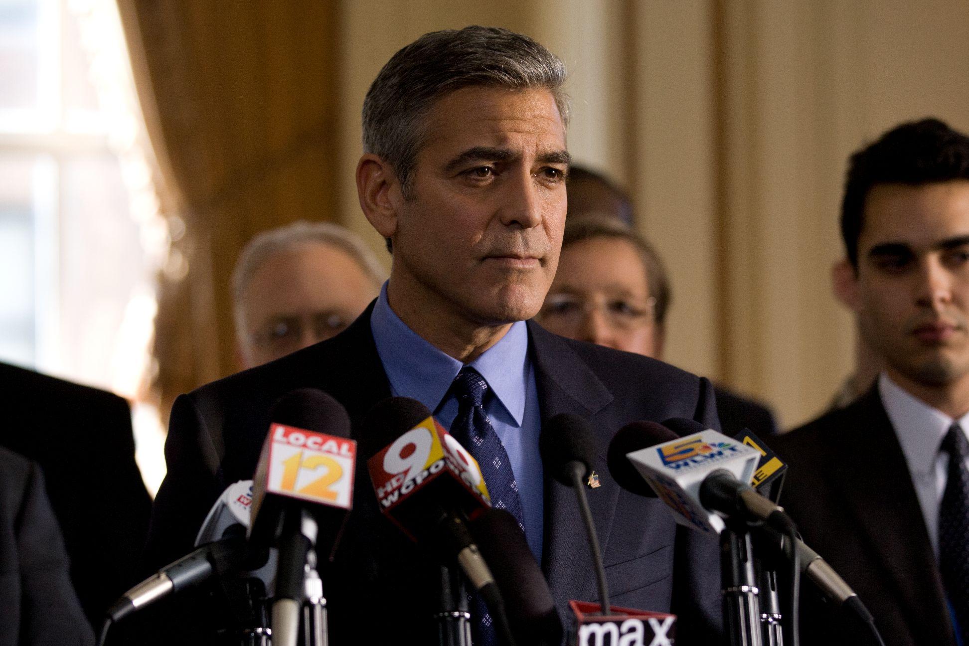 """George Clooney i Ryan Gosling walczą o fotel prezydenta - """"Idy marcowe"""" na zdjęciach"""