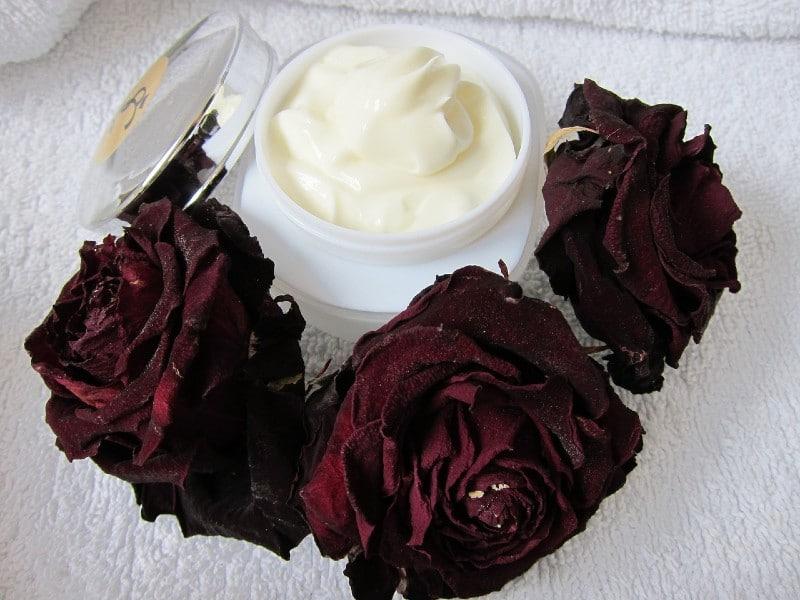 Kosmetyki naturalne - jak je rozpoznać i gdzie kupić?