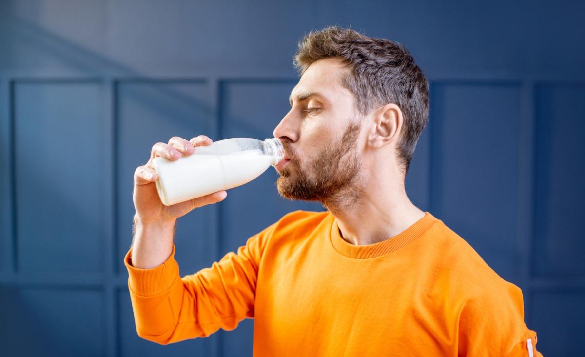 Czy mleko krowie jest zdrowe dla dorosłego człowieka?