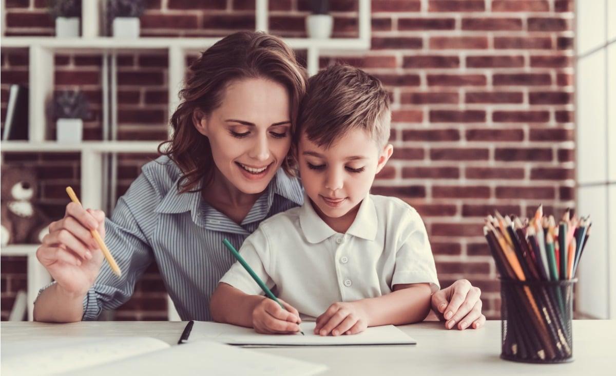 Pozytywna edukacja - co robić, aby dziecko uczyło się z radością?