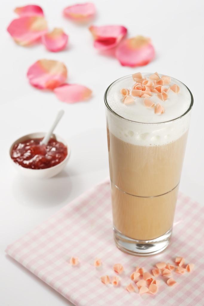 Różana kawa dla zakochanych