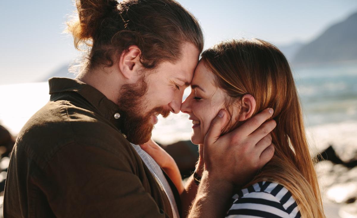 Czy możemy stworzyć stałą i szczęśliwą relację, nie zakochując się w drugim człowieku?