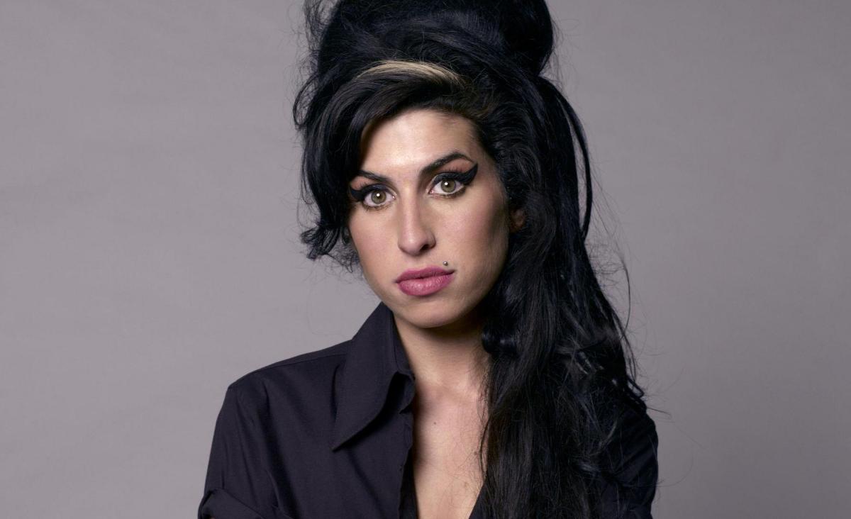 Amy Winehouse - żyć szybko, umierać młodo