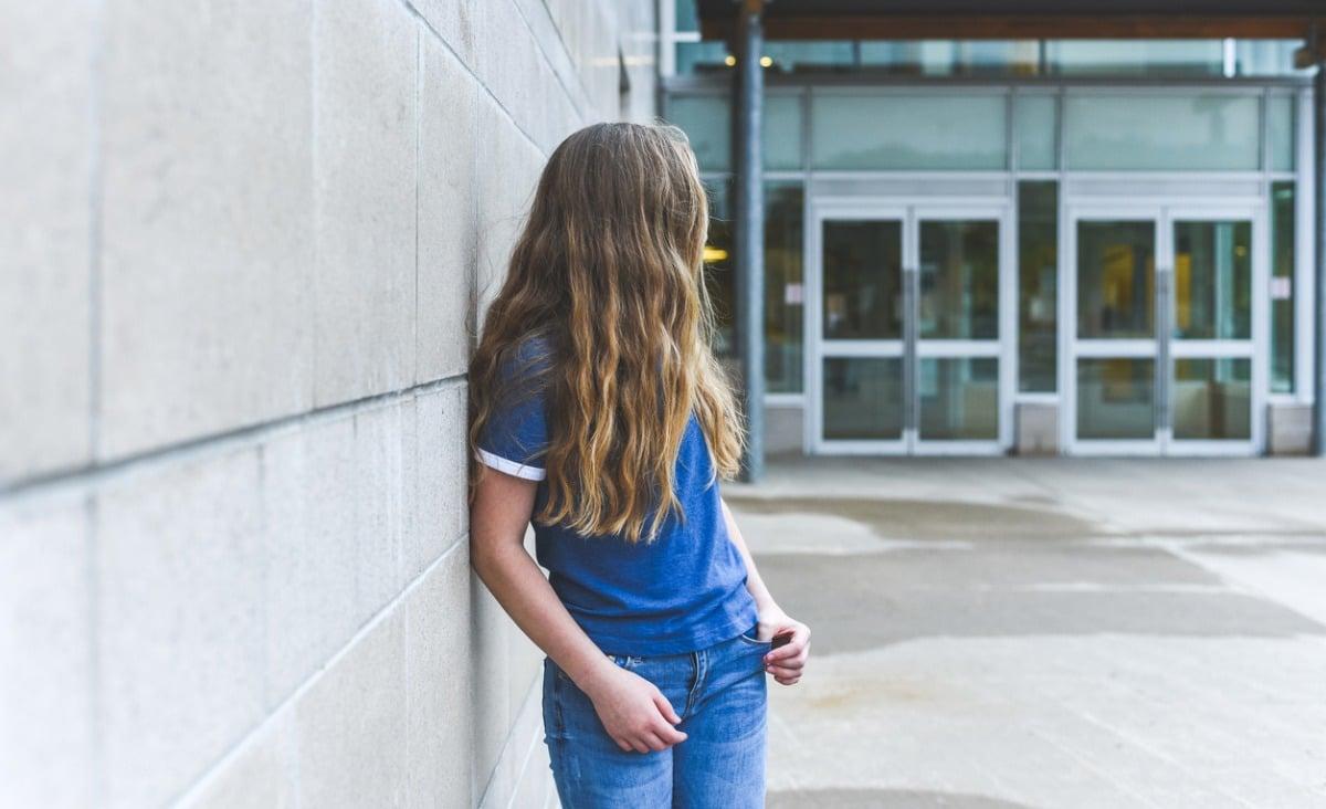 Samobójstwo nastolatków - jak rozpoznać, że dziecko woła o pomoc?