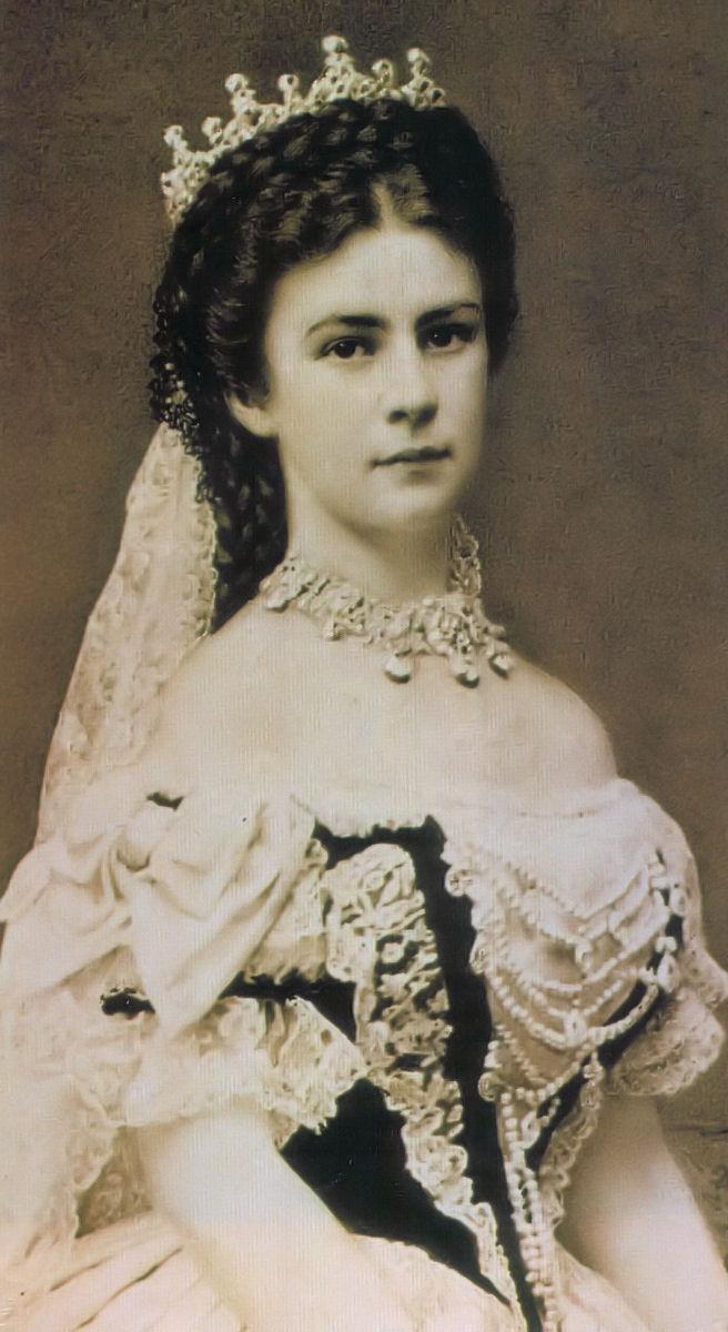 Elżbieta Bawarska - Sisis. Ksieżna, która nosiła maskę...z miesa