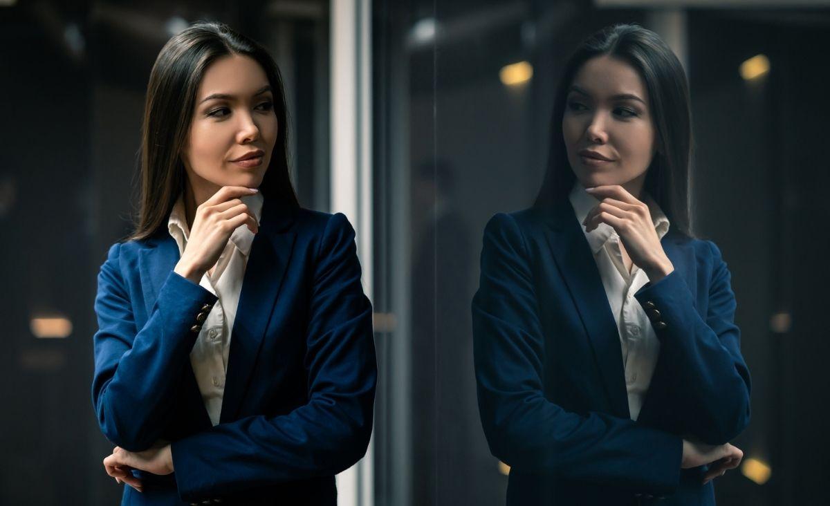 Czy poczucie fizycznej atrakcyjności wpływa na karierę?