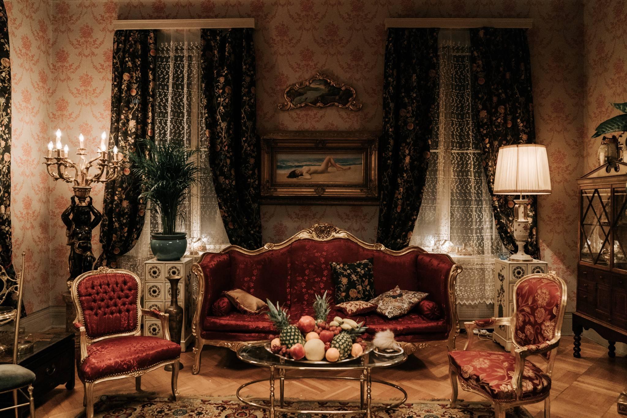 """Film stoi detalami. Rozmowa z Joanną Kuś odpowiedzialną za dekorację na planie serialu """"Król"""""""