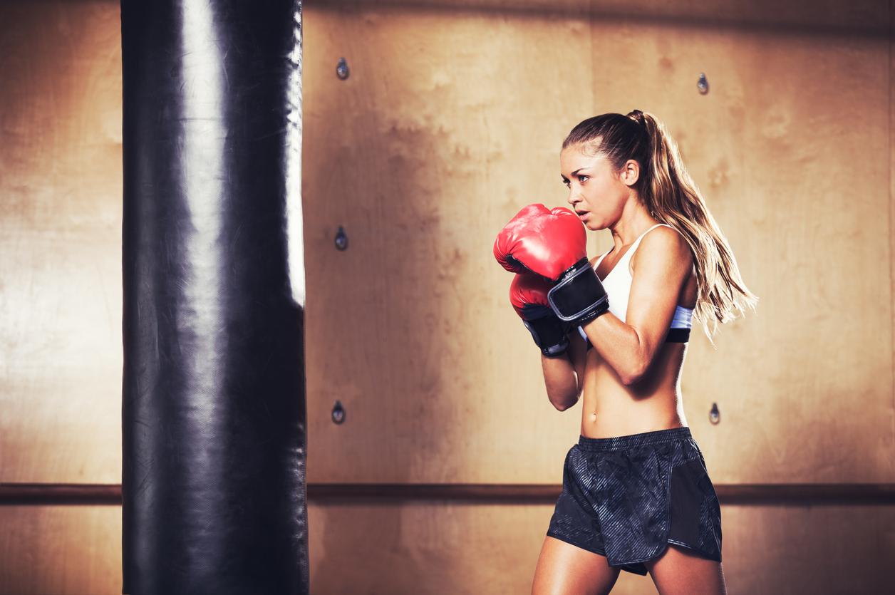 Kobiety wchodzą na ring