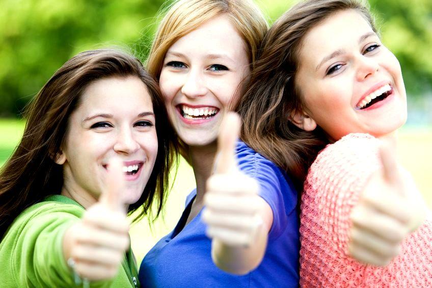 Jak przyjaźnią się nastolatki - komentarz psychoterapeutki Olgi Libich