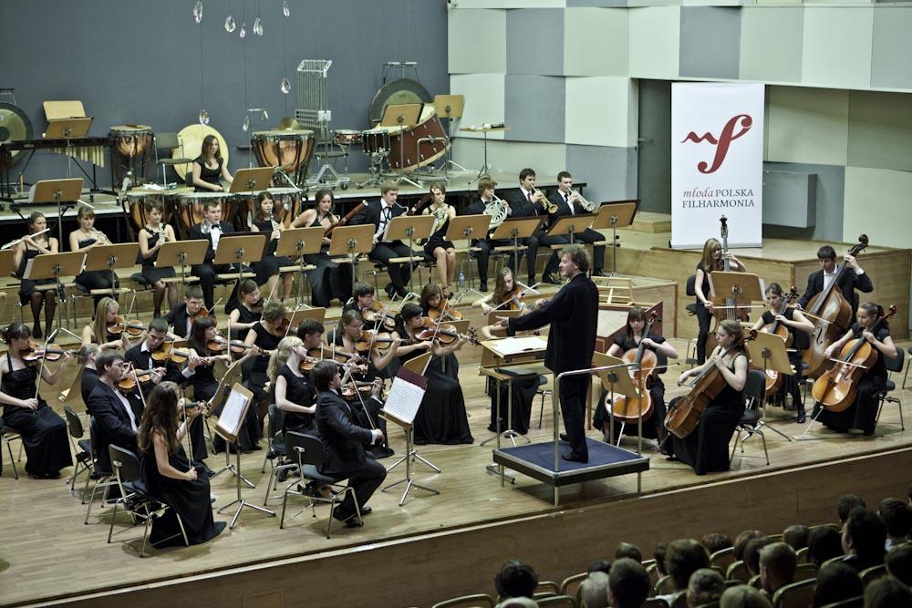 Wygraj bilety na jesienną trasę koncertową Młodej Polskiej Filharmonii