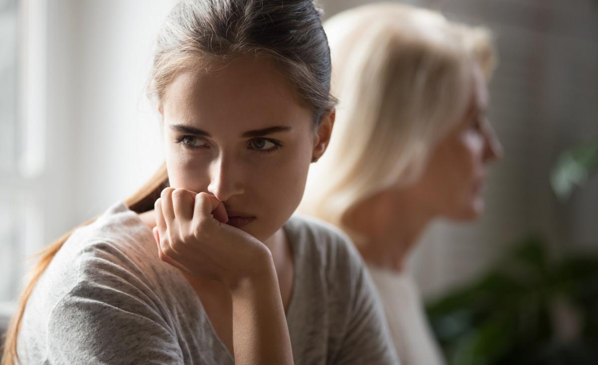 Co świadczy o tym, że doświadczyłeś emocjonalnej niedojrzałości ze strony swoich rodziców?