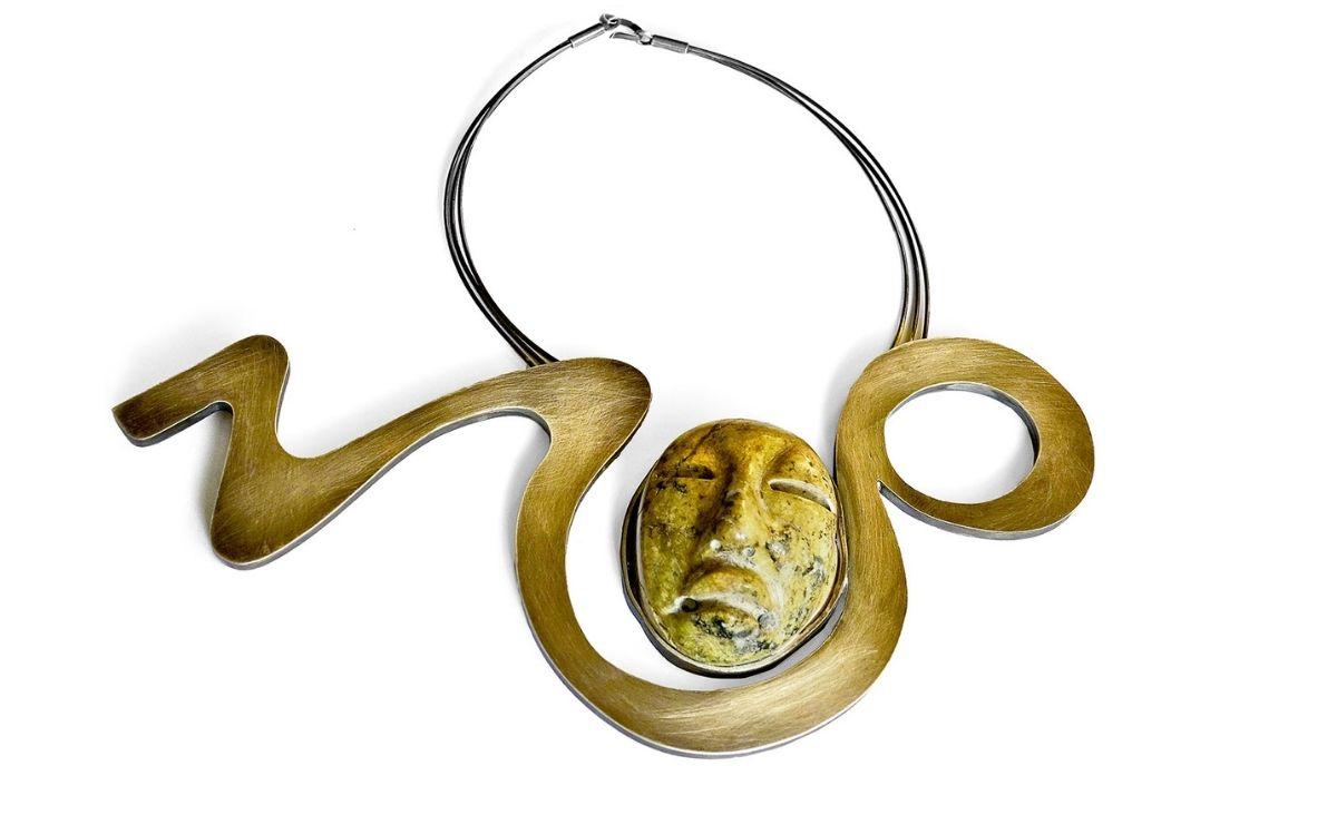 Sztuka noszona- niezwykły naszyjnik Elżbiety Dzikowskiej