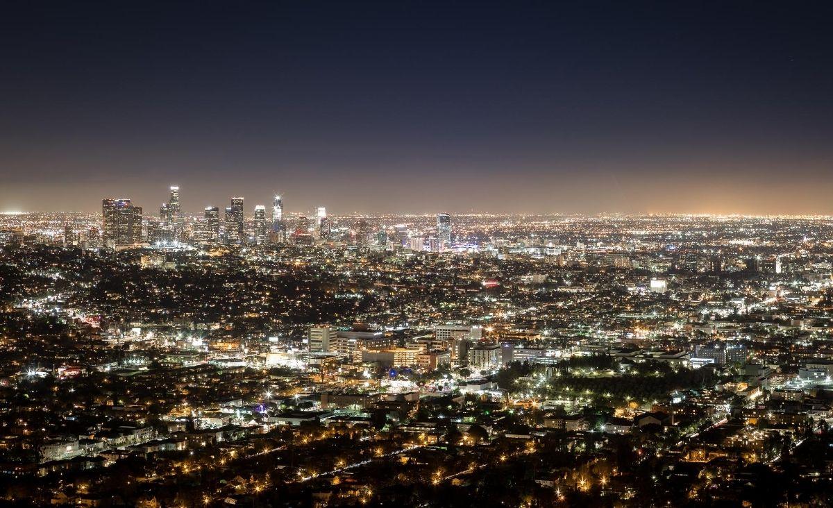 Ziemia zanieczyszczona światłem. Co możemy zrobić, by świecić mądrzej?