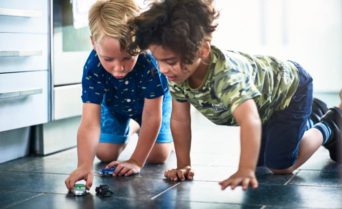 Kuchnia przyjazna dzieciom - jak dbać o bezpieczeństwo maluchów?