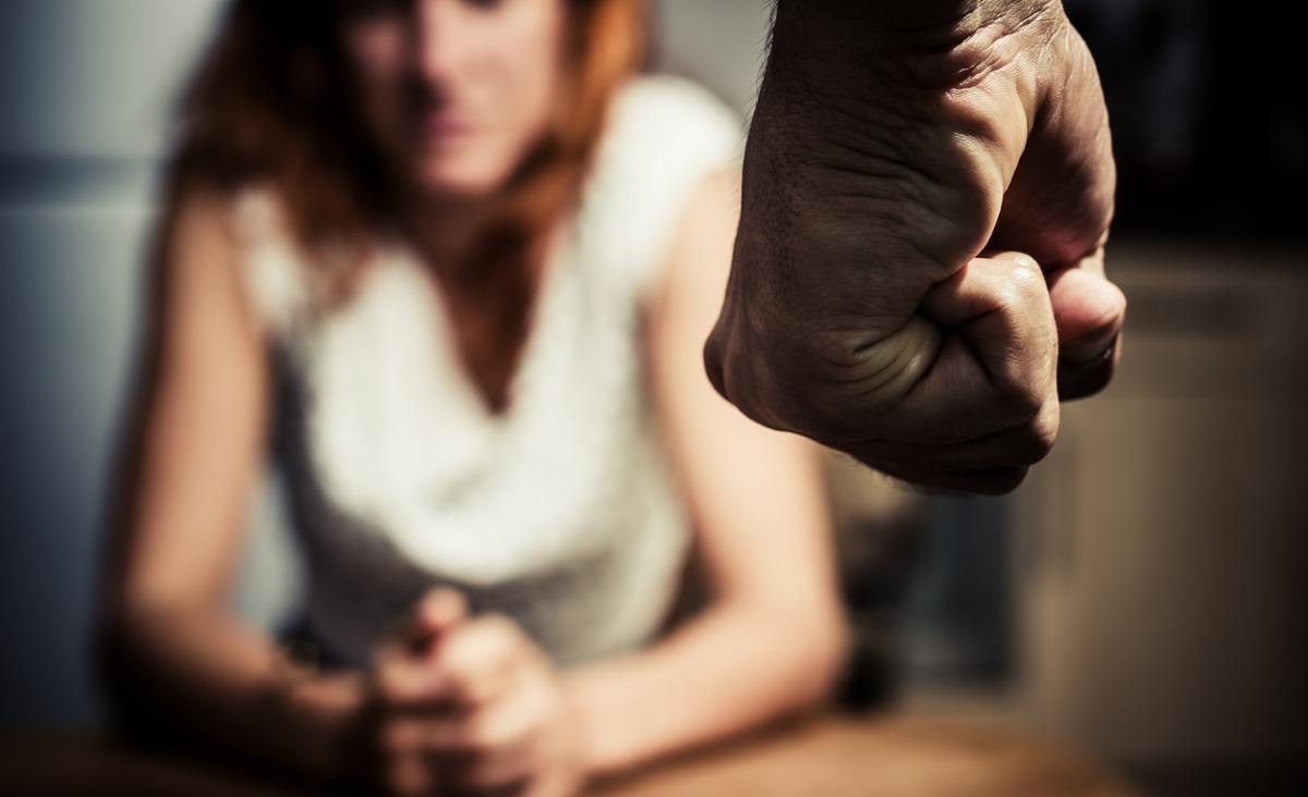 Osoby stosujące przemoc – czy można im pomóc?