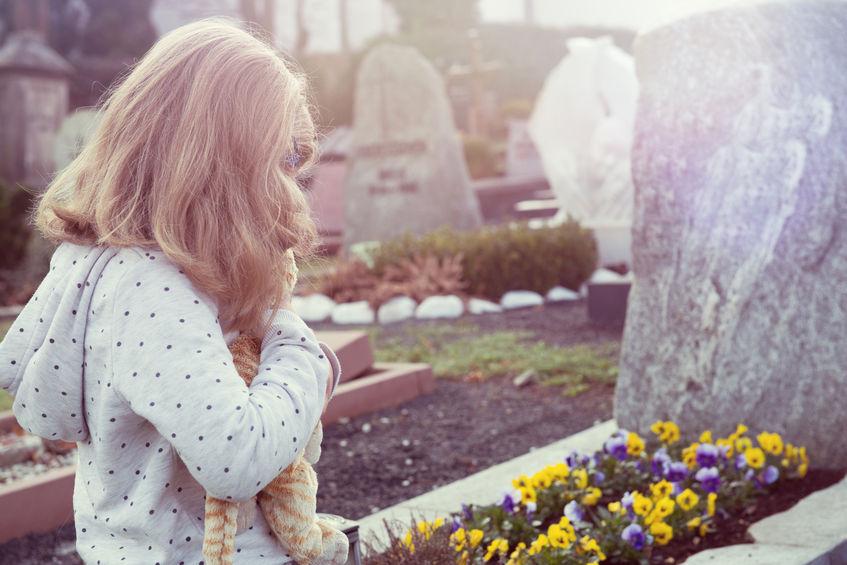 Trzy zasady rozmów z dziećmi o śmierci
