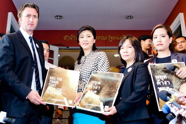 przekazanie_podpisow_premier_tajlandii_1_ww