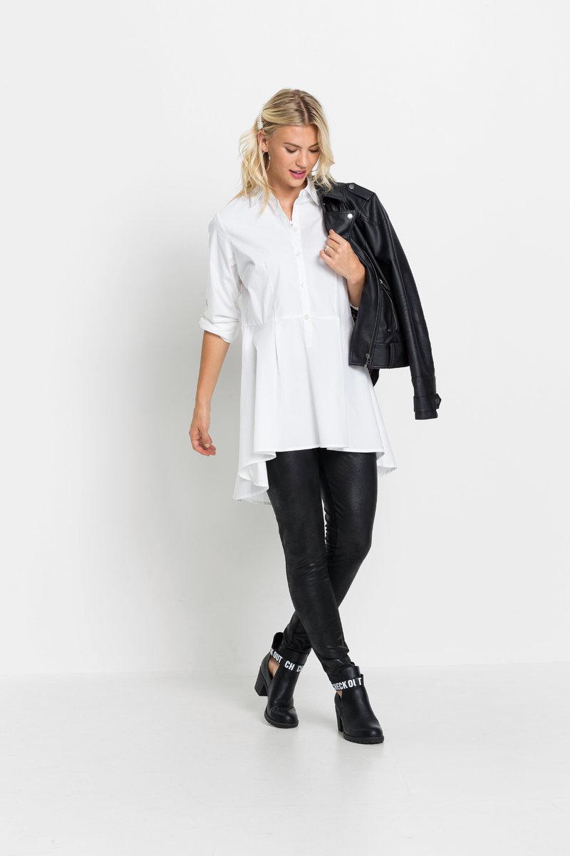 Biała koszula w czterech nietypowych stylizacjach