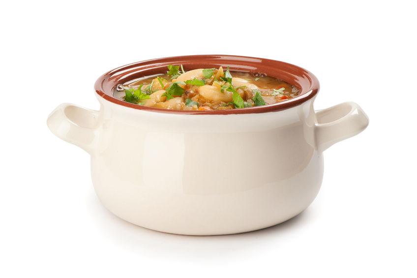 Rozgrzewająca zupa z makaronem i pesto