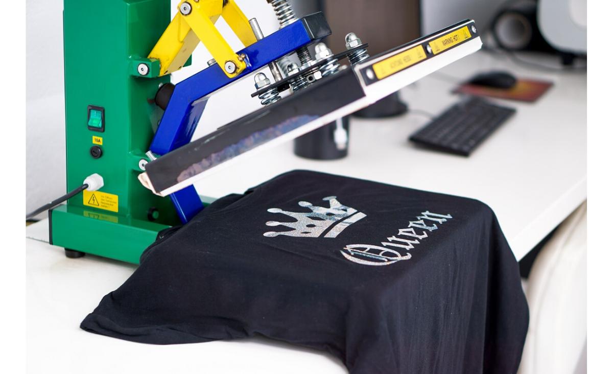 T-shirt z własnym nadrukiem – najlepszy sposób na wyrażenie siebie!