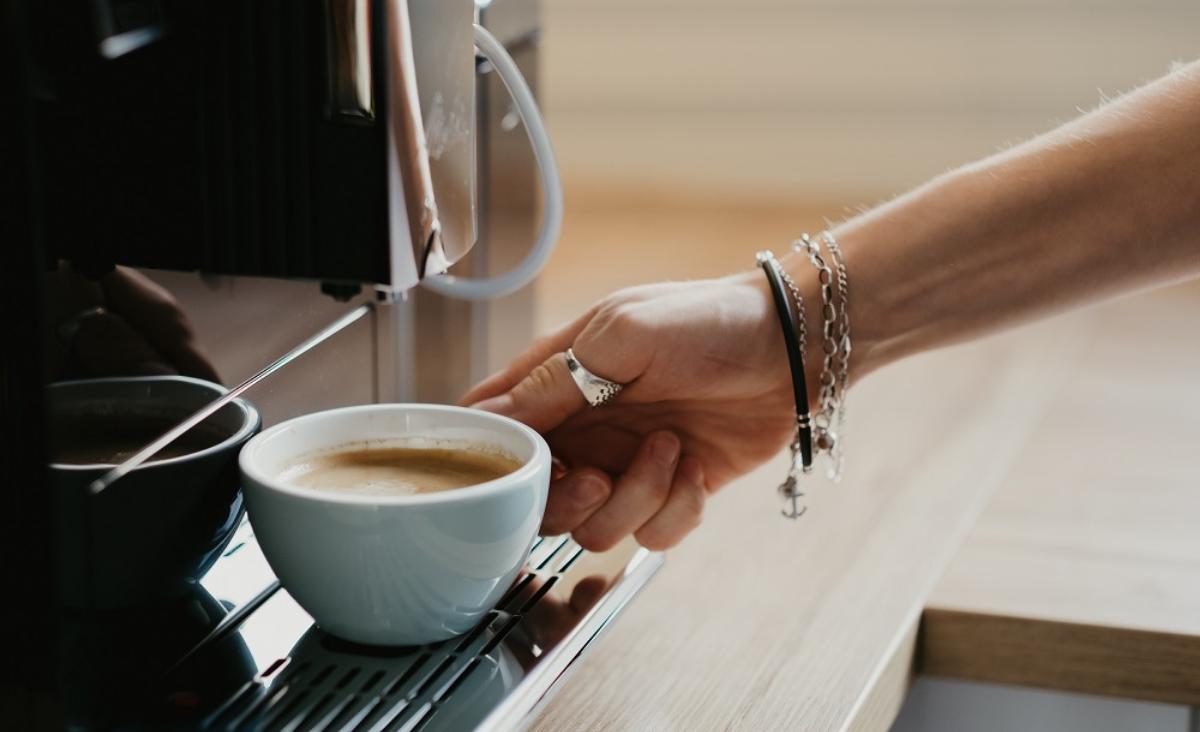 Czy wybór kawy do ekspresu ma znaczenie? Dowiedz się, na co zwrócić uwagę