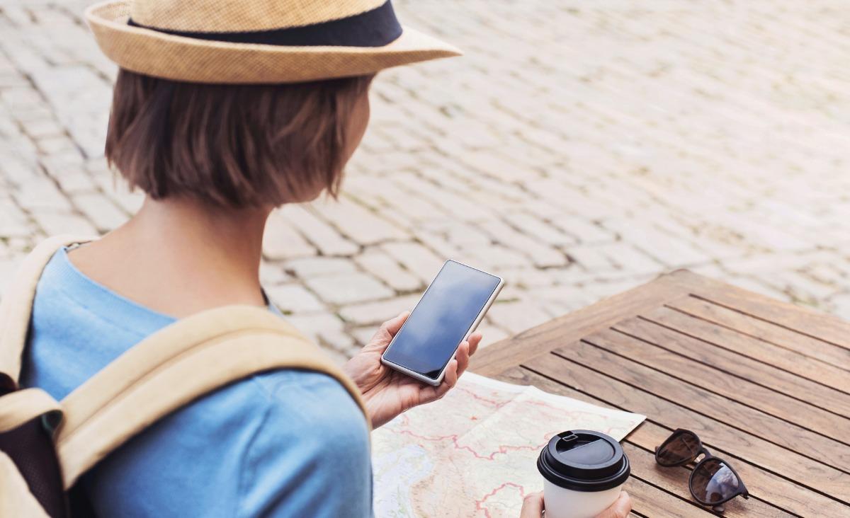 Aplikacje na wakacje. Które z nich przydają się podczas podróży?