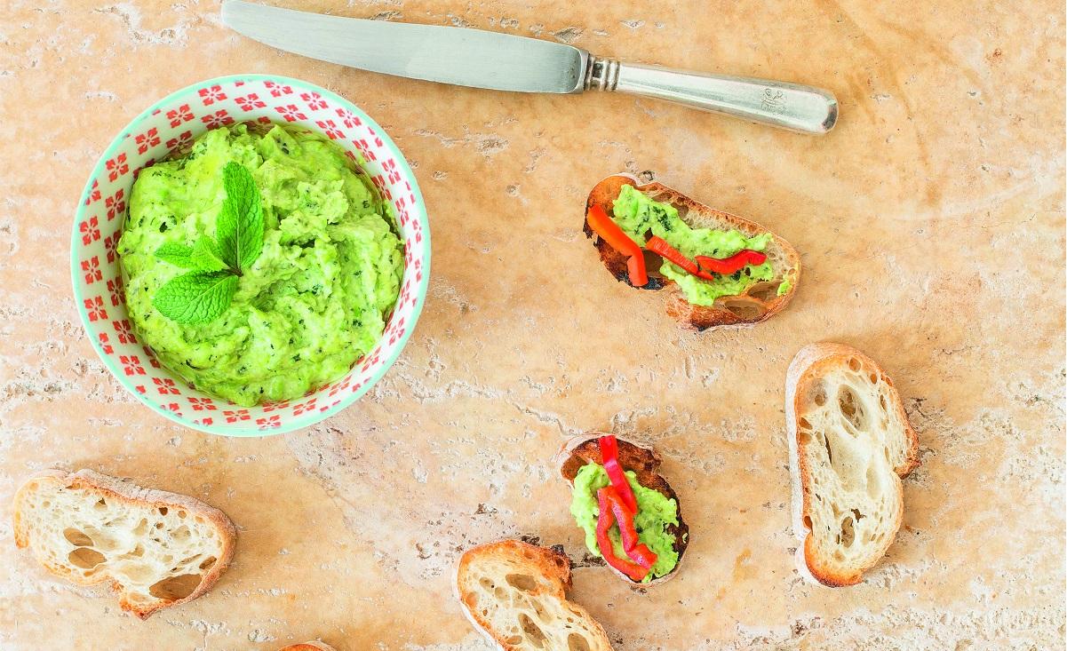 Przepisy na letnie pasty do chleba