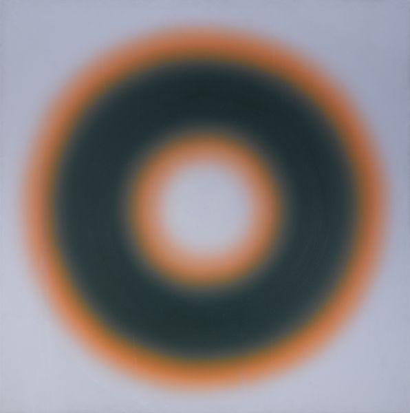 """Wystawa """"Medytacja i ekspresja"""" Art Main Station by MIA we Wrocławiu. """"M88"""" to jeden z pokazywanych na wystawie obrazów Wojciecha Fangora ze zbiorów Fundacji Zwierciadło."""