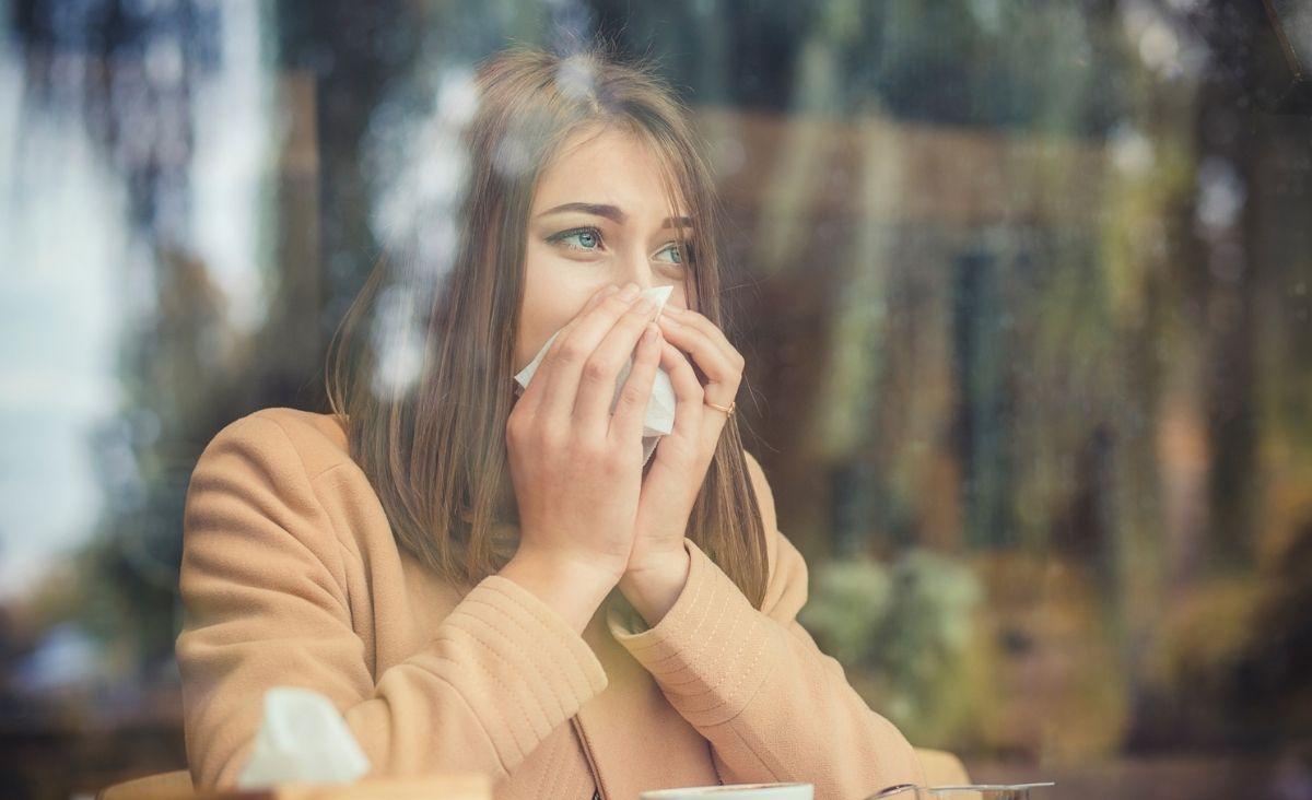 Psychosomatyka a alergie. Czy stres może nasilić reakcje alergiczne?