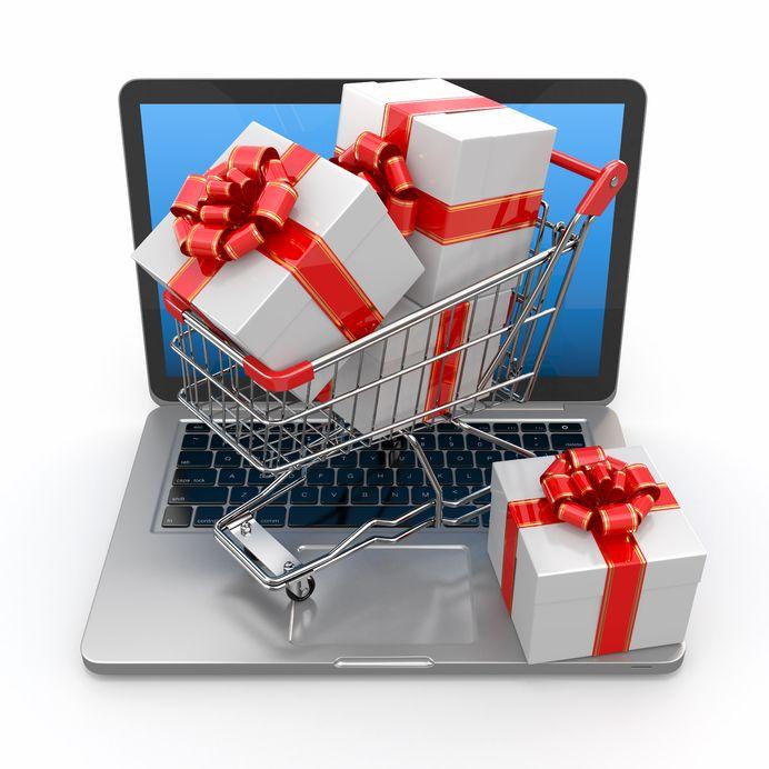 Jak bezpiecznie robić zakupy świąteczne przez internet