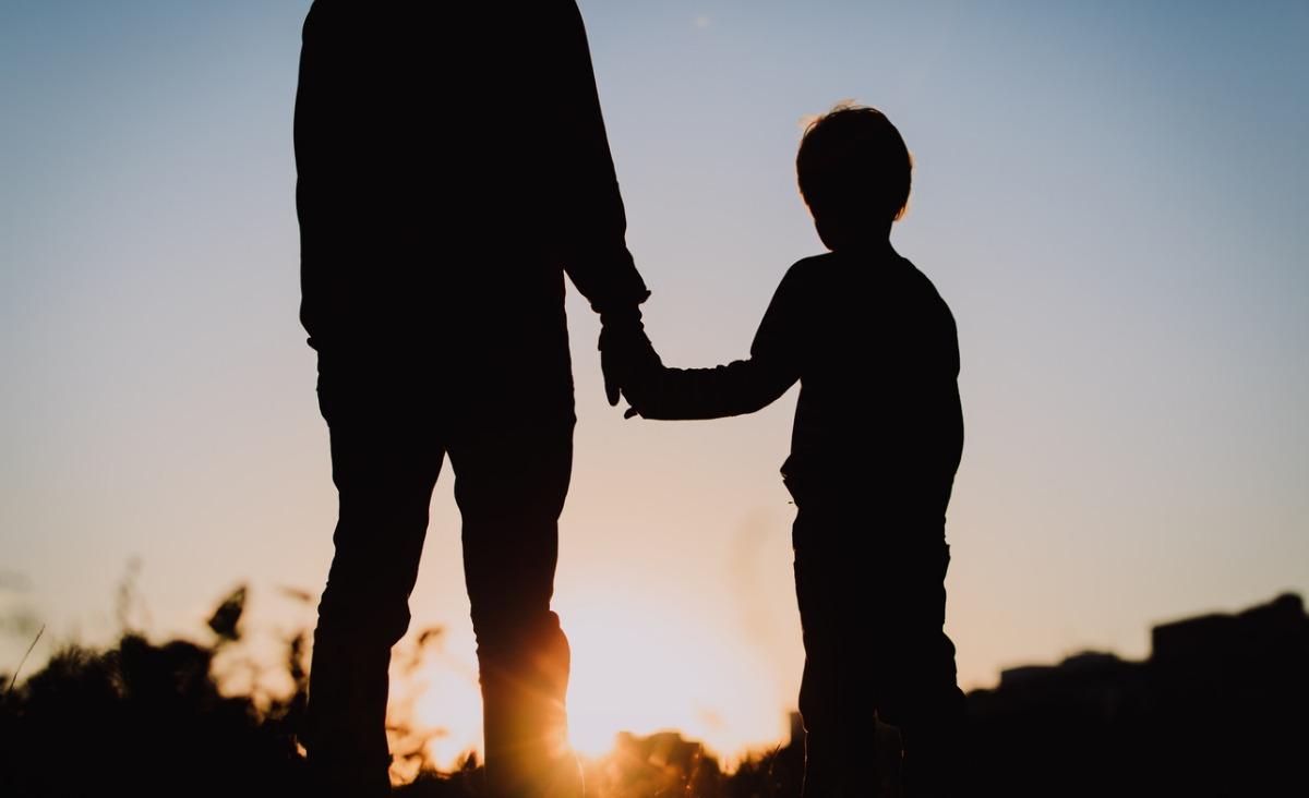 Dorosłe dzieci niedojrzałych rodziców - czym jest parentyfikacja?