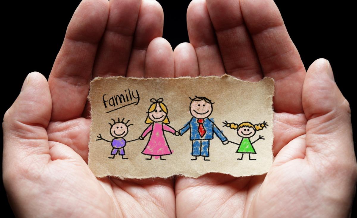 Jak radzić sobie z lękiem i jak rozmawiać o epidemii z dzieckiem w rozmowie z dr. Tomaszem Srebnickiem
